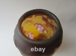 Vtg Emile Gallé Art Verre Cerise Vase Reproduction 6 1/4
