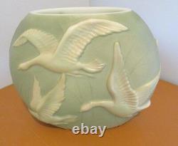 Vtg. Lg. Art Déco Phoenix Verre Sculptured Artware Oies Sculptured Artware Vase