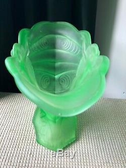 Walther & Sohne / Fils Peach Schmetterling Vase En Verre En Uranium Art Déco Femme Années 1930
